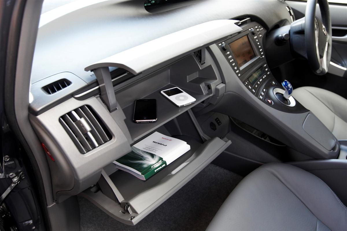 2009 Toyota Prius dual glovebox