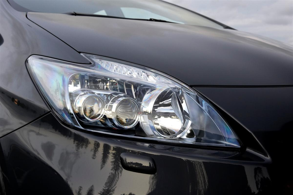 2009 Toyota Prius i-Tech LED headlamp
