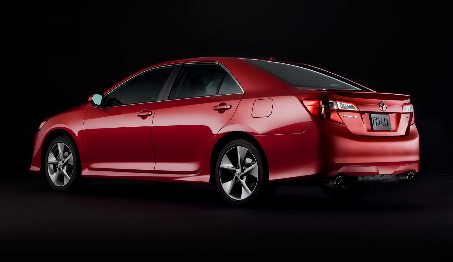 2012_toyota_camry_official_overseas_09