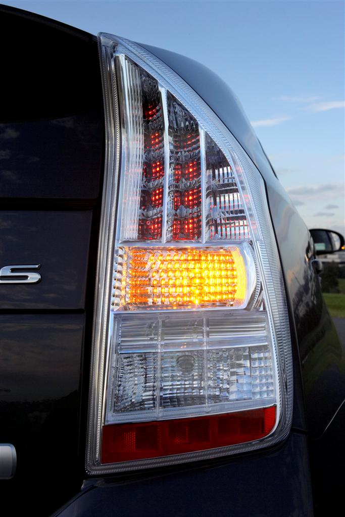 2009 Toyota Prius LED tail light