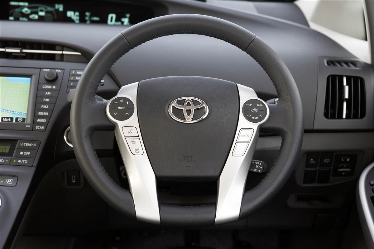 2009 Toyota Prius i-Tech steering wheel