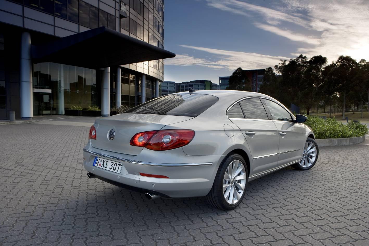 2009_volkswagen_passat-cc_road-test-review_06.jpg
