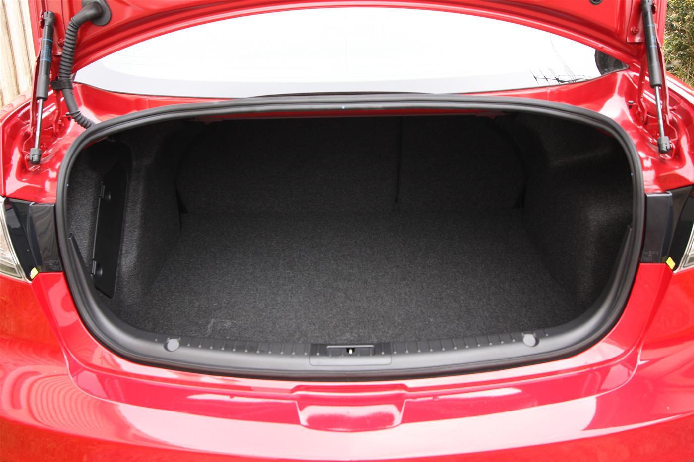 2011_mazda3_sp25_sedan_review_22