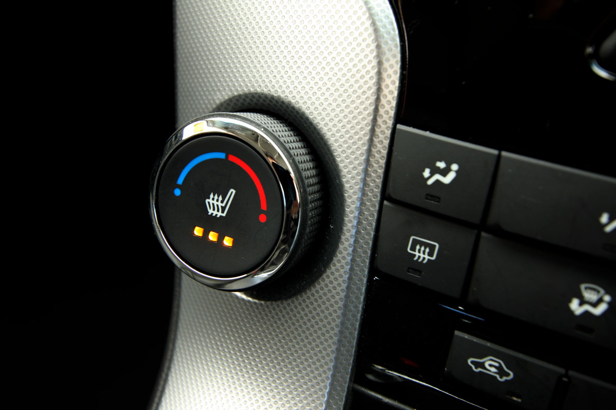 2009_holden-cruze_cdx_and-cruze-cd-diesel_road-test-review_079.jpg