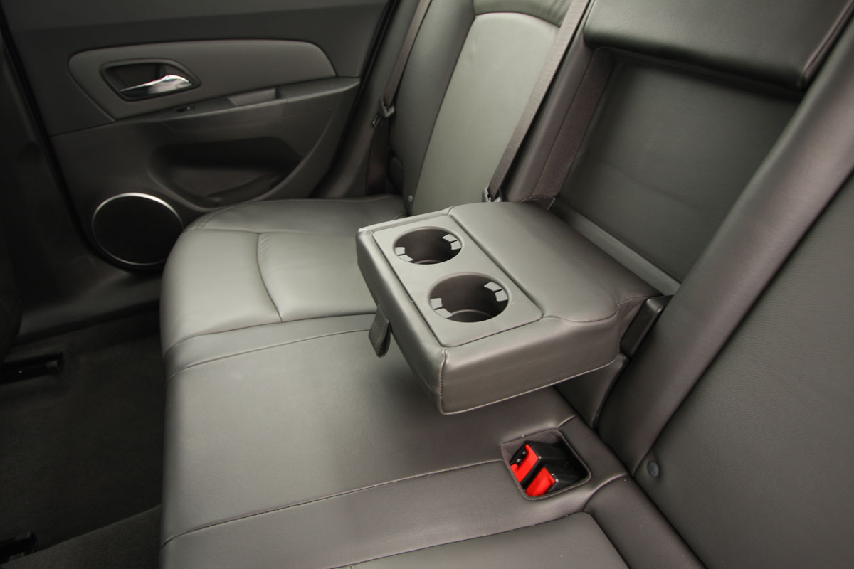 2009_holden-cruze_cdx_and-cruze-cd-diesel_road-test-review_088.jpg