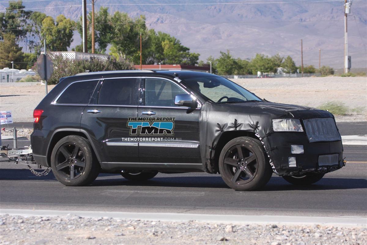 2011_jeep_grand_cherokee_srt8_spy_photos_02