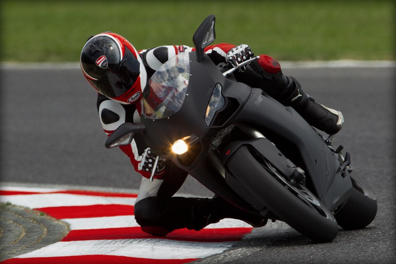 2011 Ducati 848EVO Unveiled