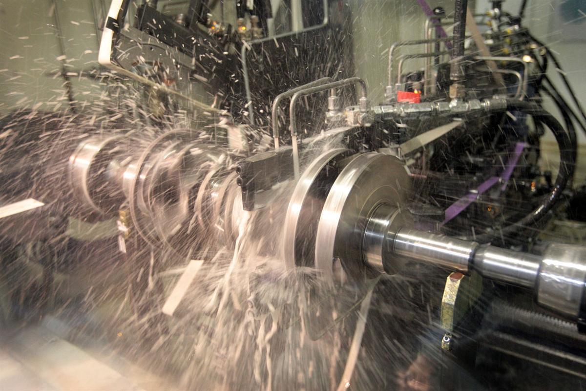 Chrysler Begins Production Of Pentastar V6 Engine