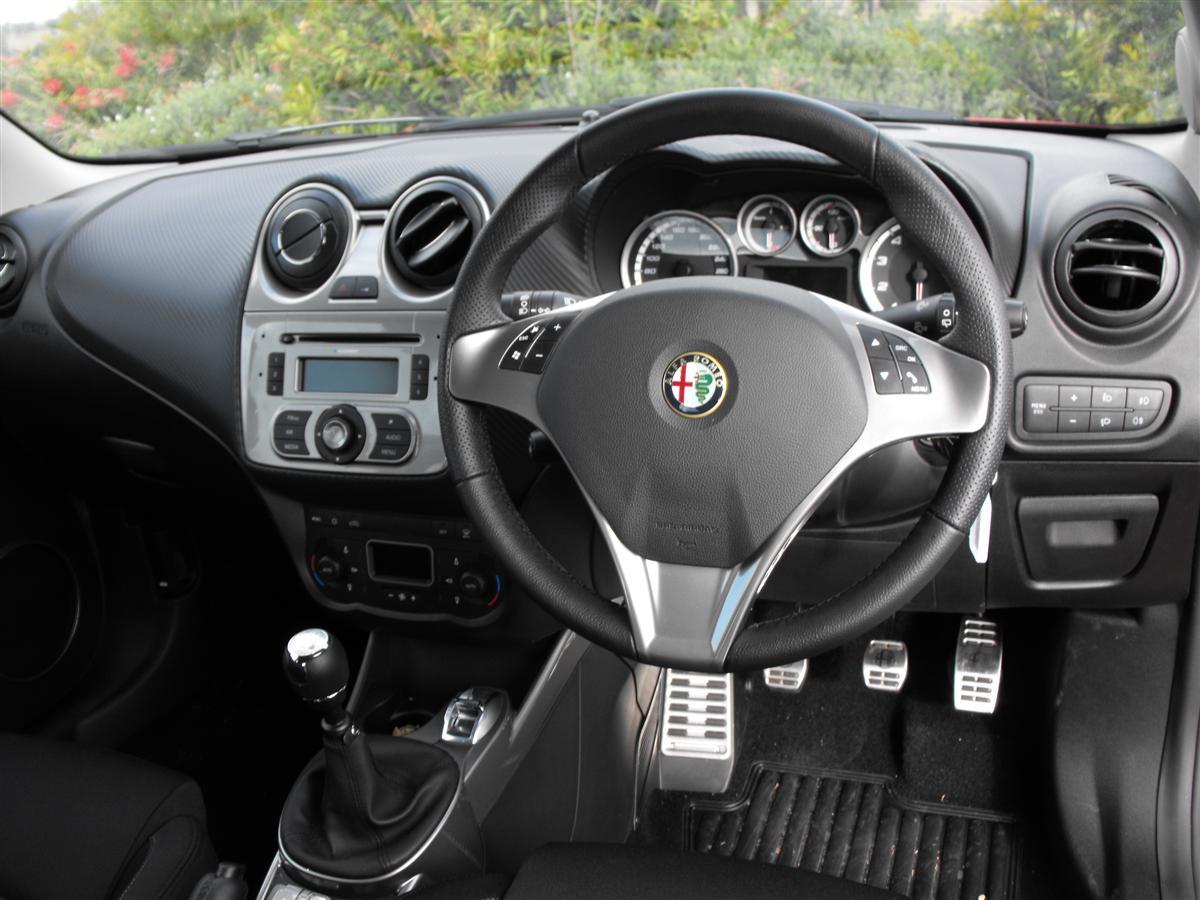 2010_alfa-romeo_mito_road-test_review_12.jpg