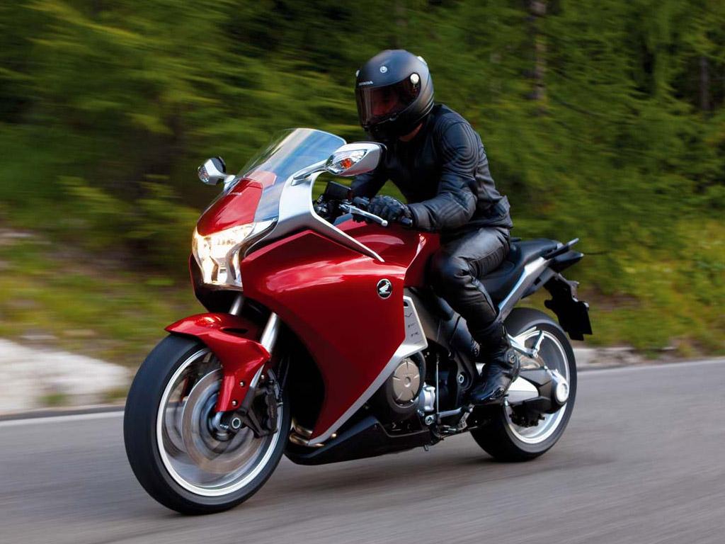 2010 Honda VFR1200FA Now Available In Australia