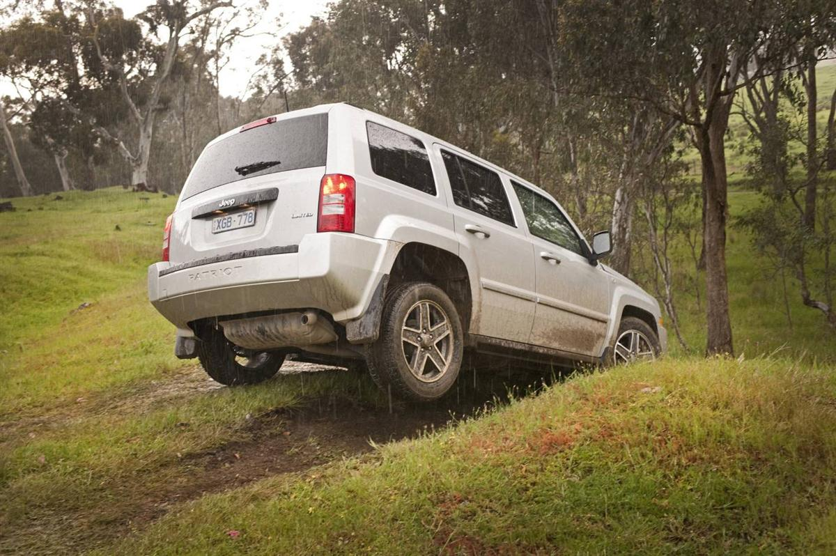 2010_jeep_patriot_first-drive-review_16.jpg