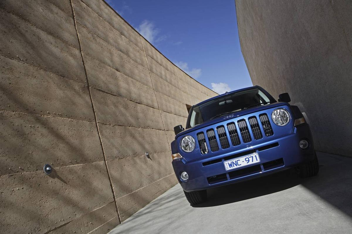 2010_jeep_patriot_first-drive-review_08.jpg