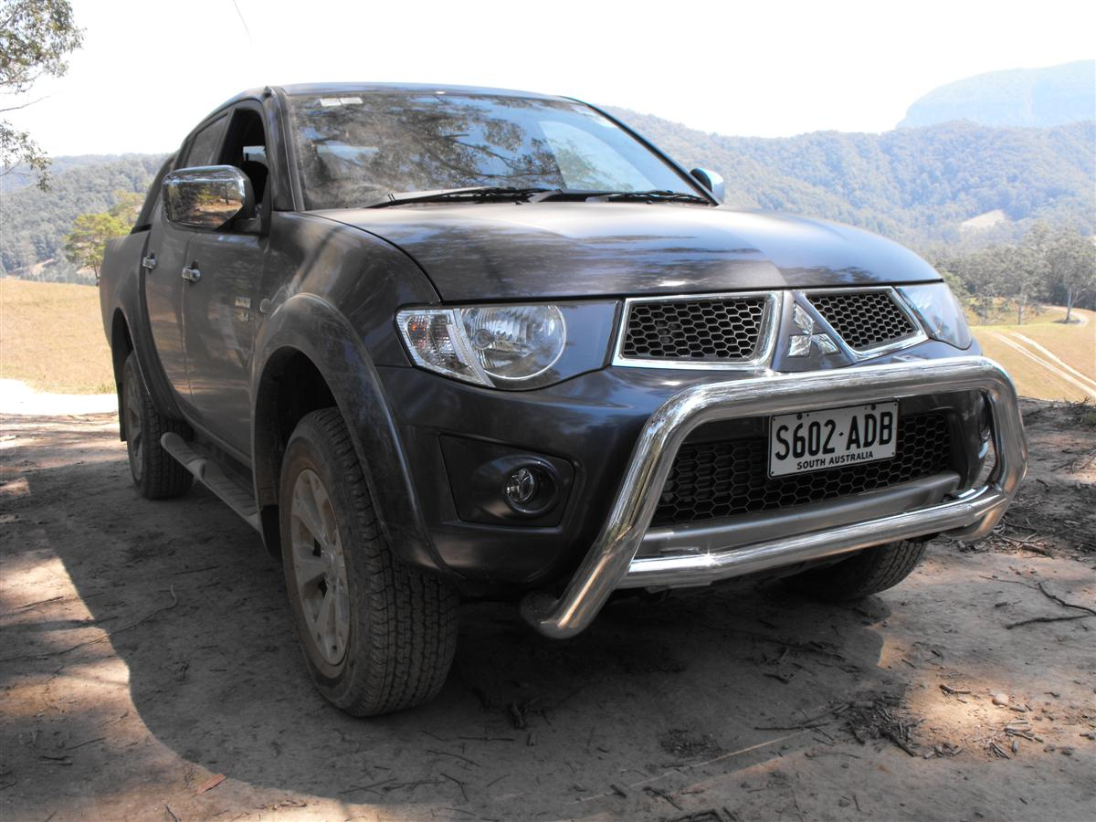 2010_mitsubishi_mn_triton_glx-r_and_gl-r_first-drive-review_02.jpg