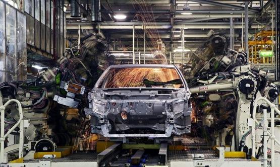 2010 Toyota Hybrid Camry Enters Pilot Production At Altona Plant
