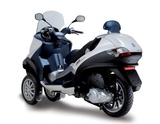 Piaggio MP3 Hybrid Scooter Launched In Europe