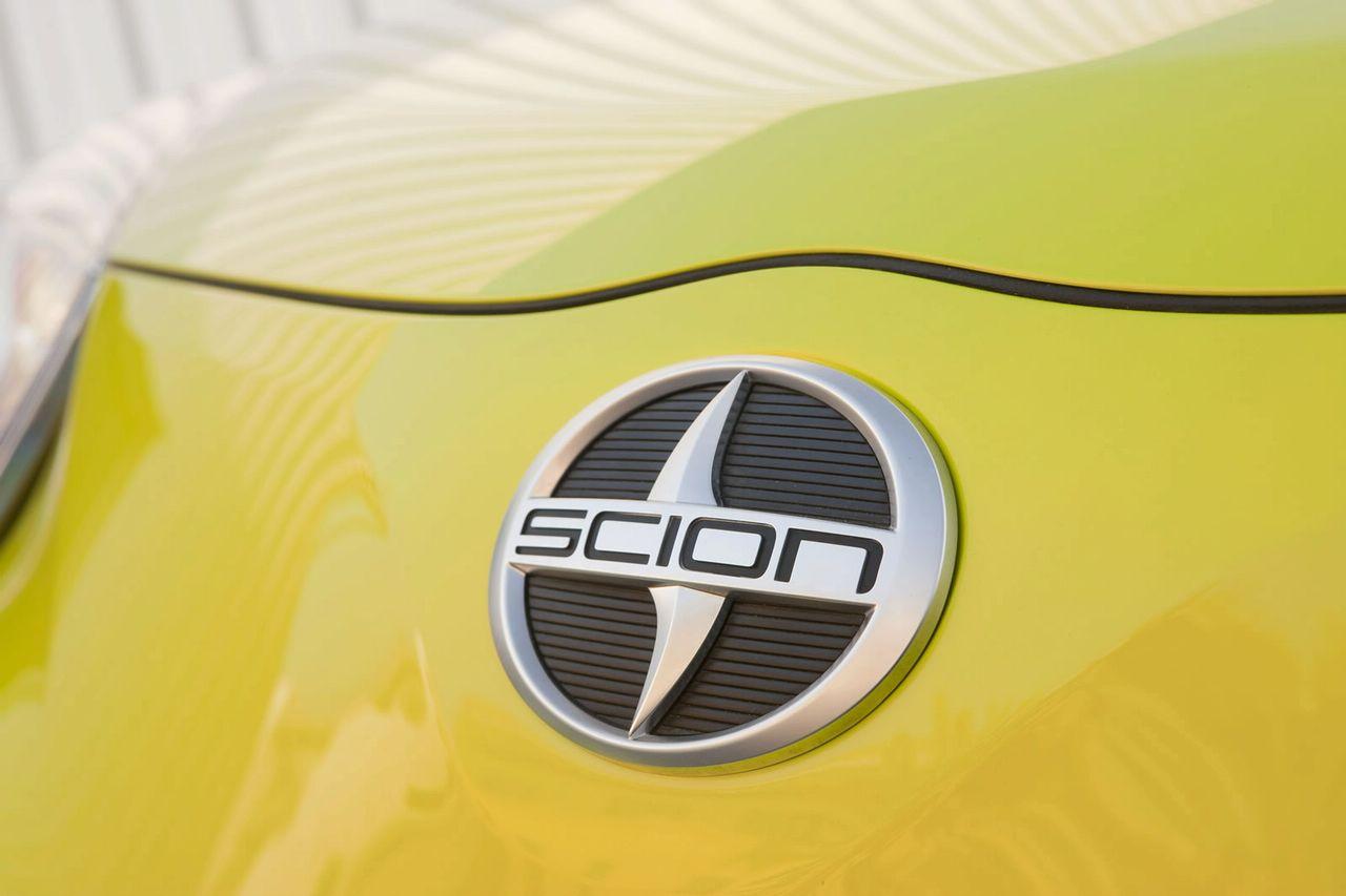 scion-iq-concept_2010_13.jpg