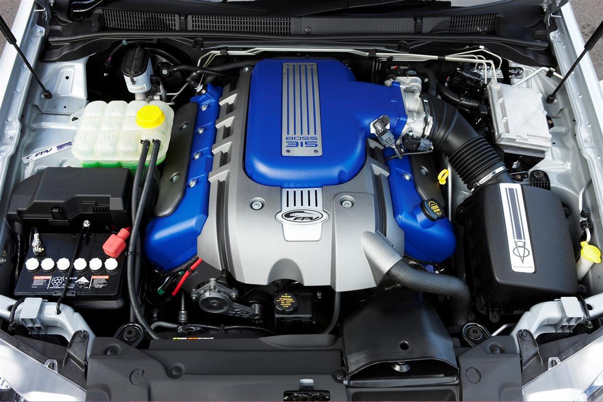 engine-bay_02.jpg