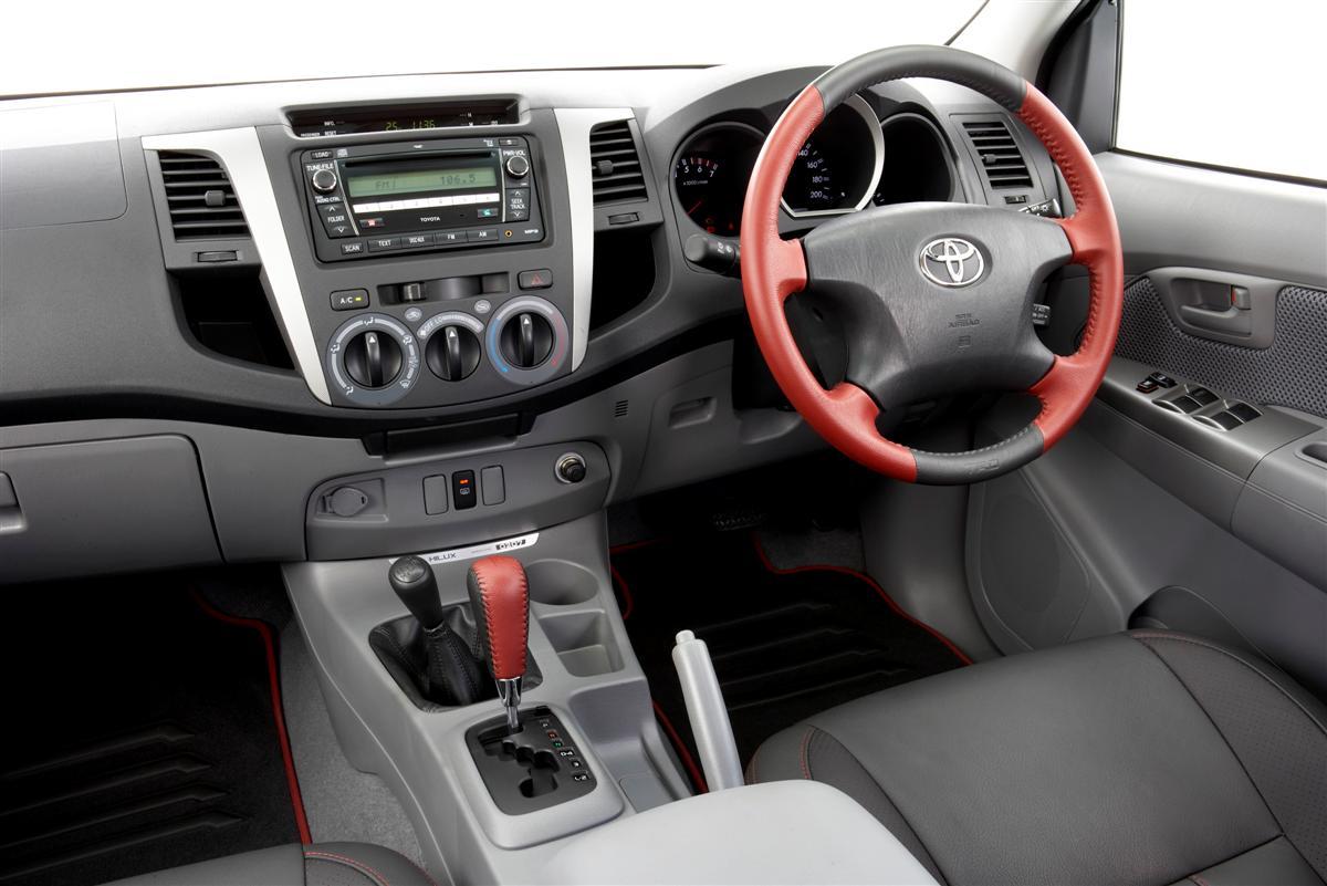 2008 TRD HiLux 4000SL interior