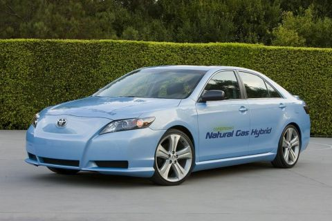 Toyota Unveils CNG Camry Hybrid Concept