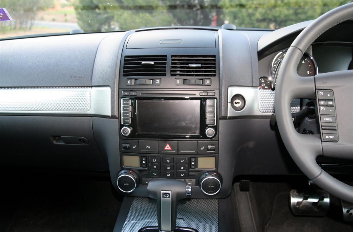 car-steering-wheel-5_1213x800.jpg