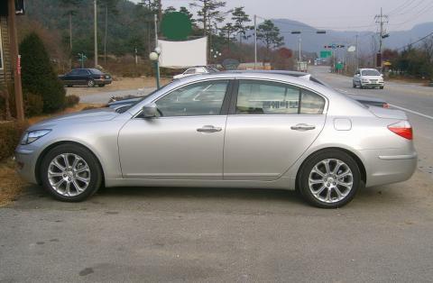 Hyundai Genesis production version spied