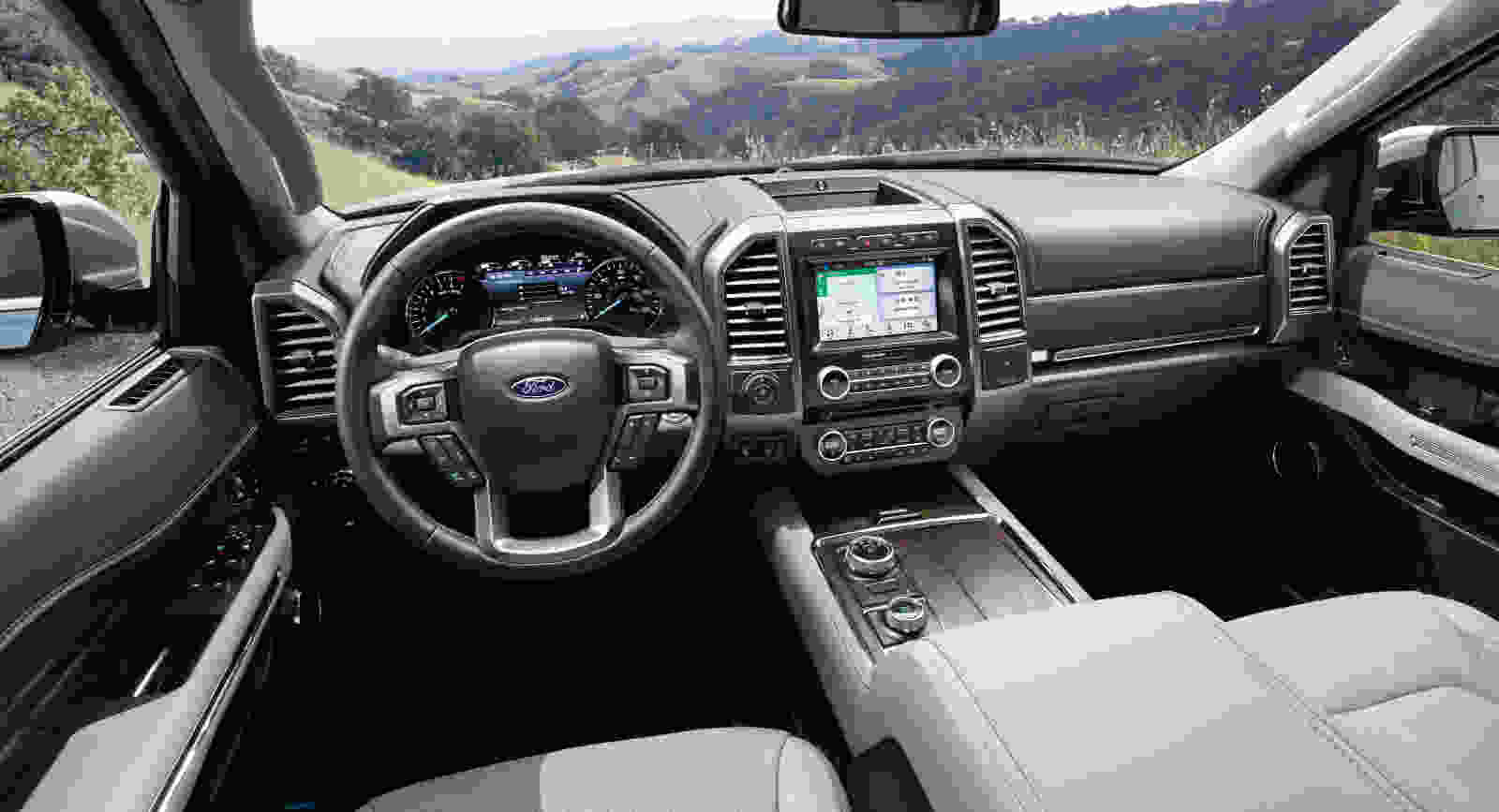 2019-Expedition-Platinum-full-instrument-panel_tarfh3