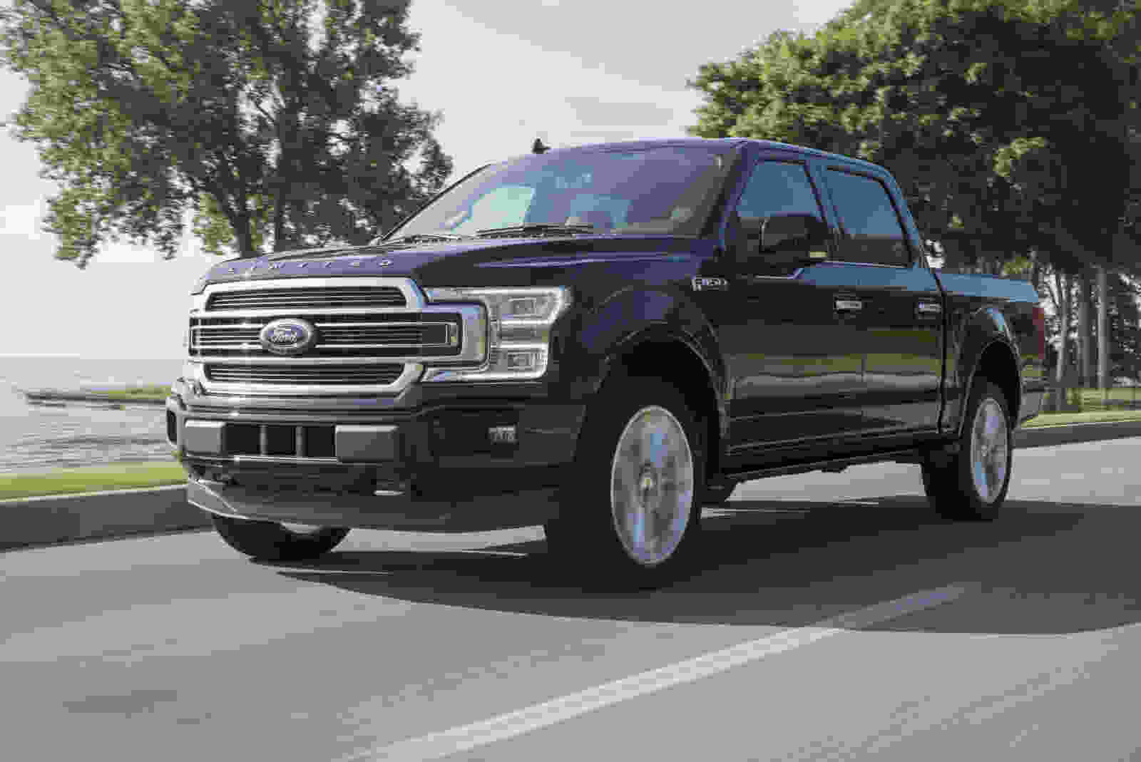 19FordF-150Limited_01_HR_gc5792