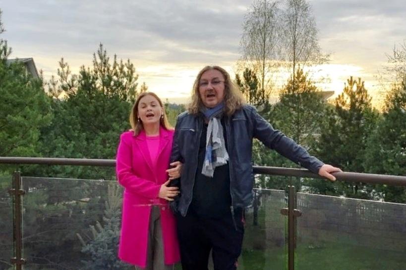 Игорь Николаев показал дочь, которая старше его жены