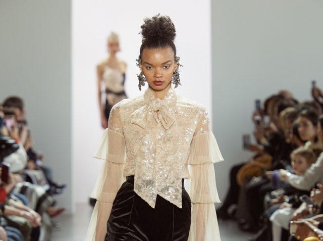 Показ Badgley Mischka на Неделе моды в Нью-Йорке