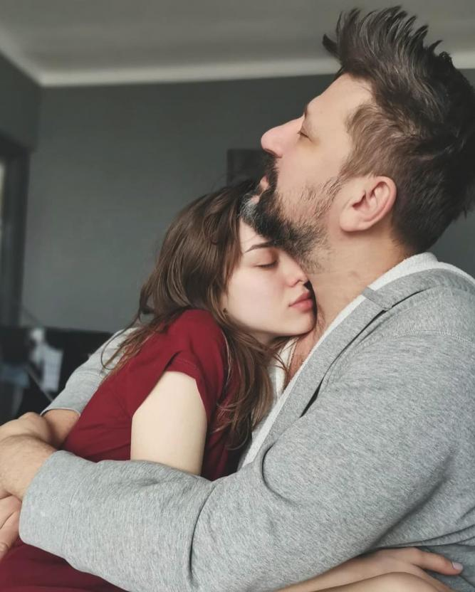 """Звезда """"Счастливы вместе"""" Виктор Логинов перестал скрывать молодую возлюбленную Марию Гуськову"""