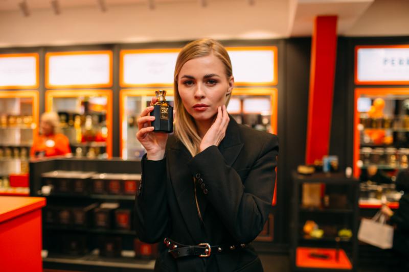 Анастасия Смирнова, Ксения Суркова и Дарья Руденок на коктейле брендаBlend Oud