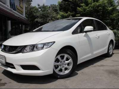 HONDA CIVIC 1.8 S 2015