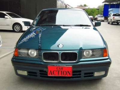 BMW SERIES 3 318 i (4Dr) 1994