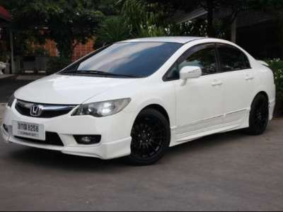 HONDA CIVIC 1.8 E 2010