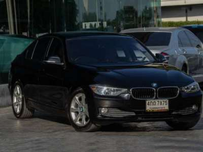 BMW SERIES 3 316 i (4Dr) 2015