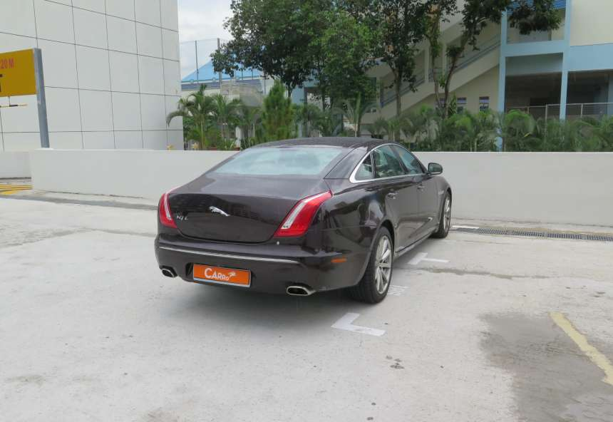 Image of #EH0357 Jaguar XJ 5.0A