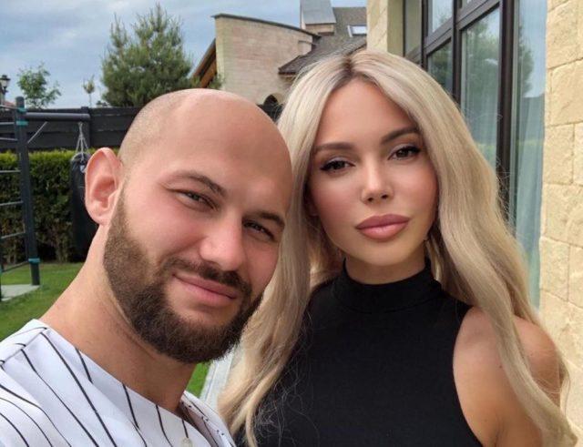 Развода не будет: Оксана Самойлова отозвала заявление из суда