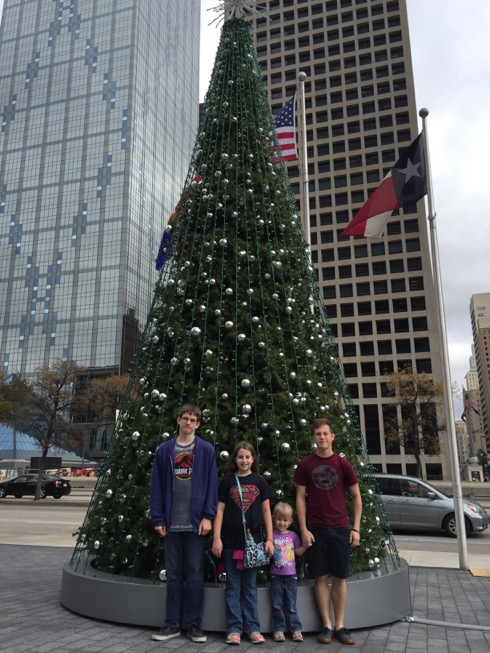 mathew-kids-in-downtown-dallas-2015