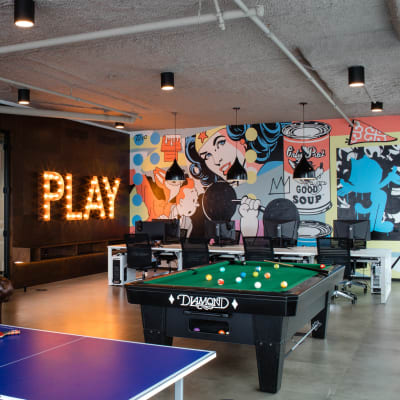 Fully equipped Game Room