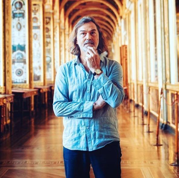 Никас Сафронов: Никто из популярных нынче артистов не находится на грани нищеты