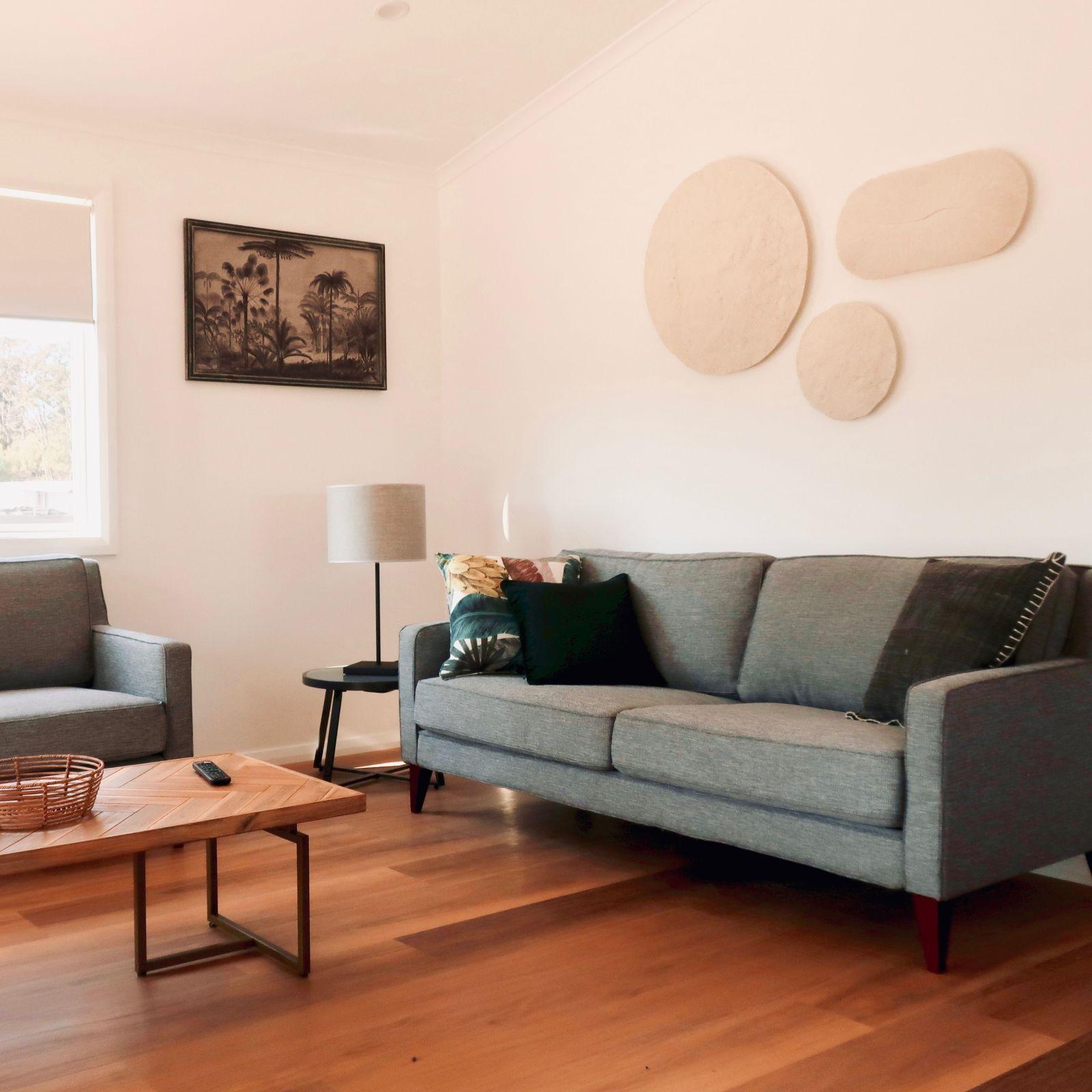 Beachcomber Cabin Livingroom