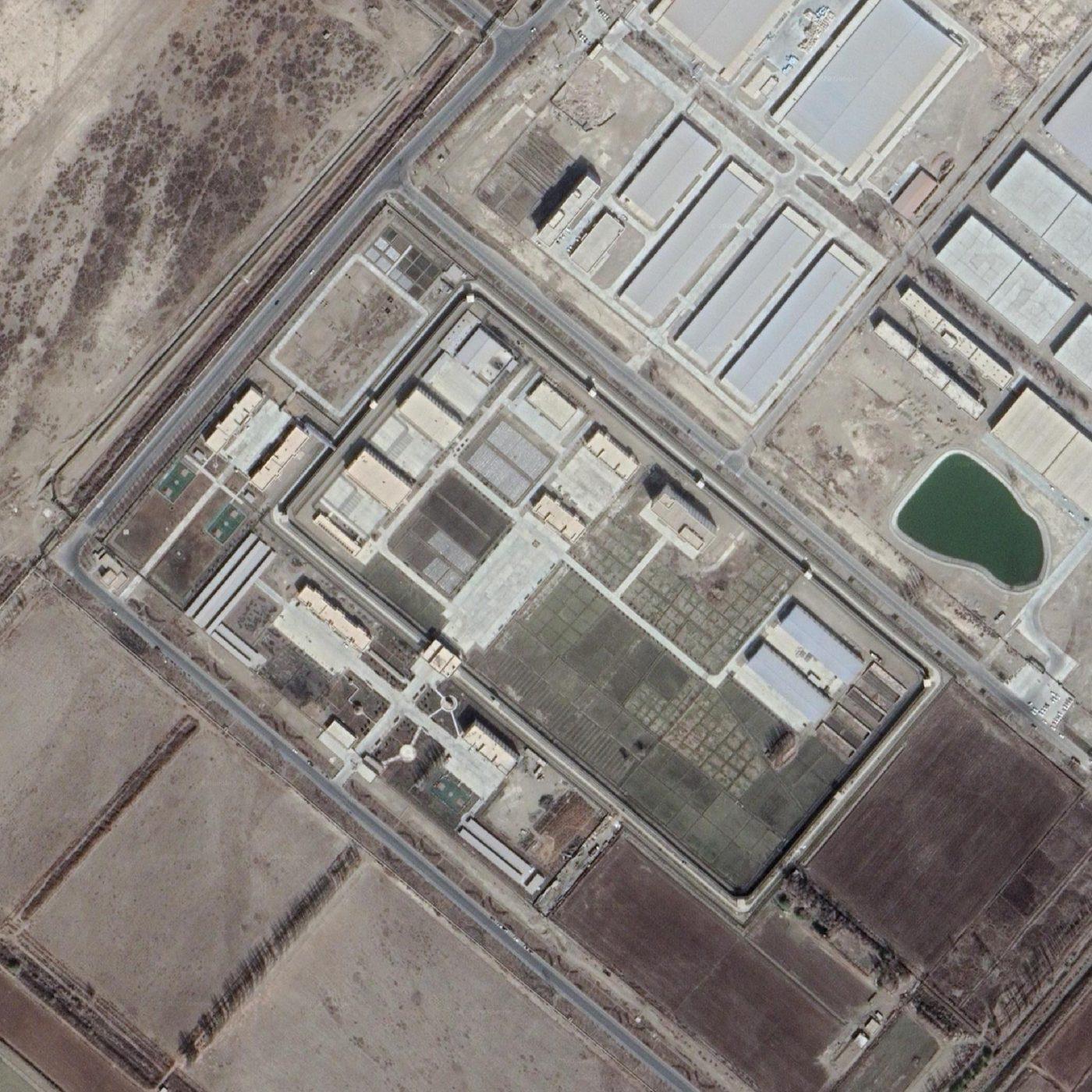 Satelitné snímky reedukačných táborov