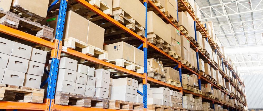 Wir sind auf die Produktion von Verpackungen aus Schwerwellpappe für eine Vielzahl von Industriezweigen spezialisiert, von der Nahrungsmittel- bis zur Automobilbranche.