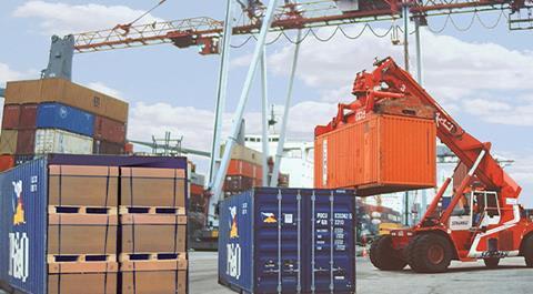 Industrial packaging in port - teaser.jpg