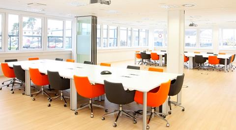 Meeting Room 01 40x15.jpg