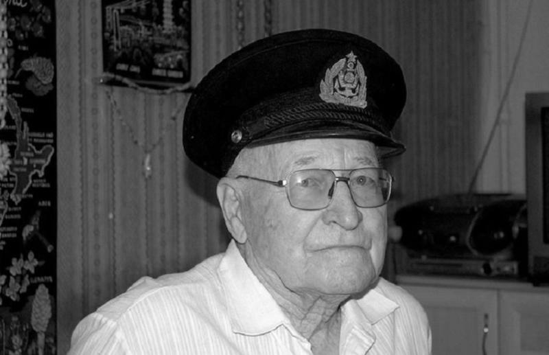 У Евгения Попова умер дед, заразившийся COVID-19