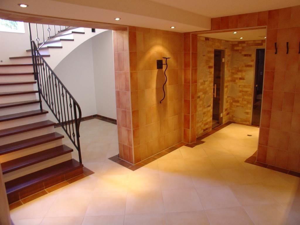 Treppe zum Ruheraum