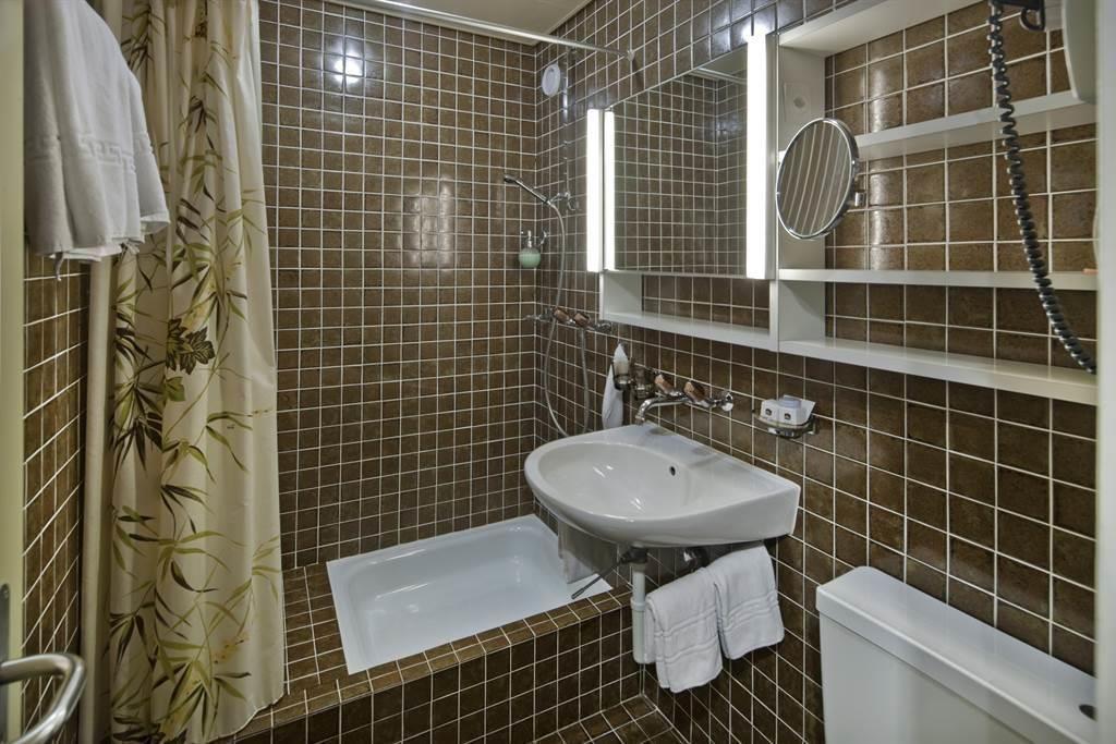 Dusche Doppelzimmer Fletschhorn