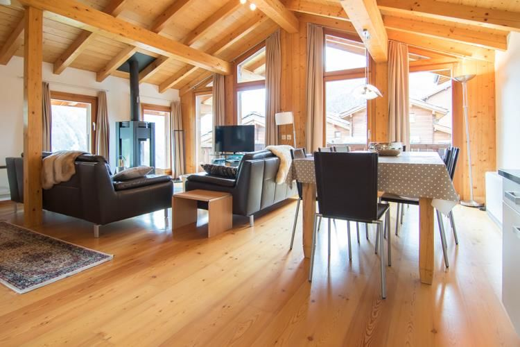 Saas-Fee_Chalet_Valley_View