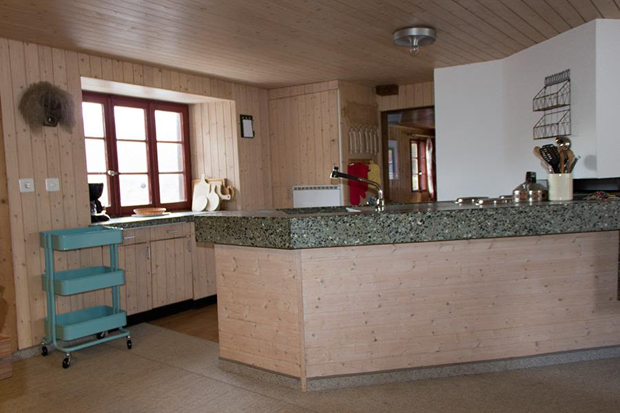 Saas-Fee_Apartment-Hannig_Kueche